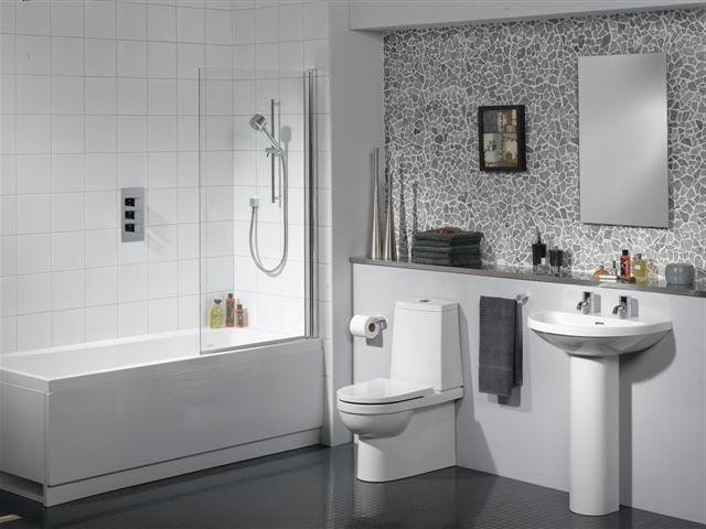 bano con ducha con puerta
