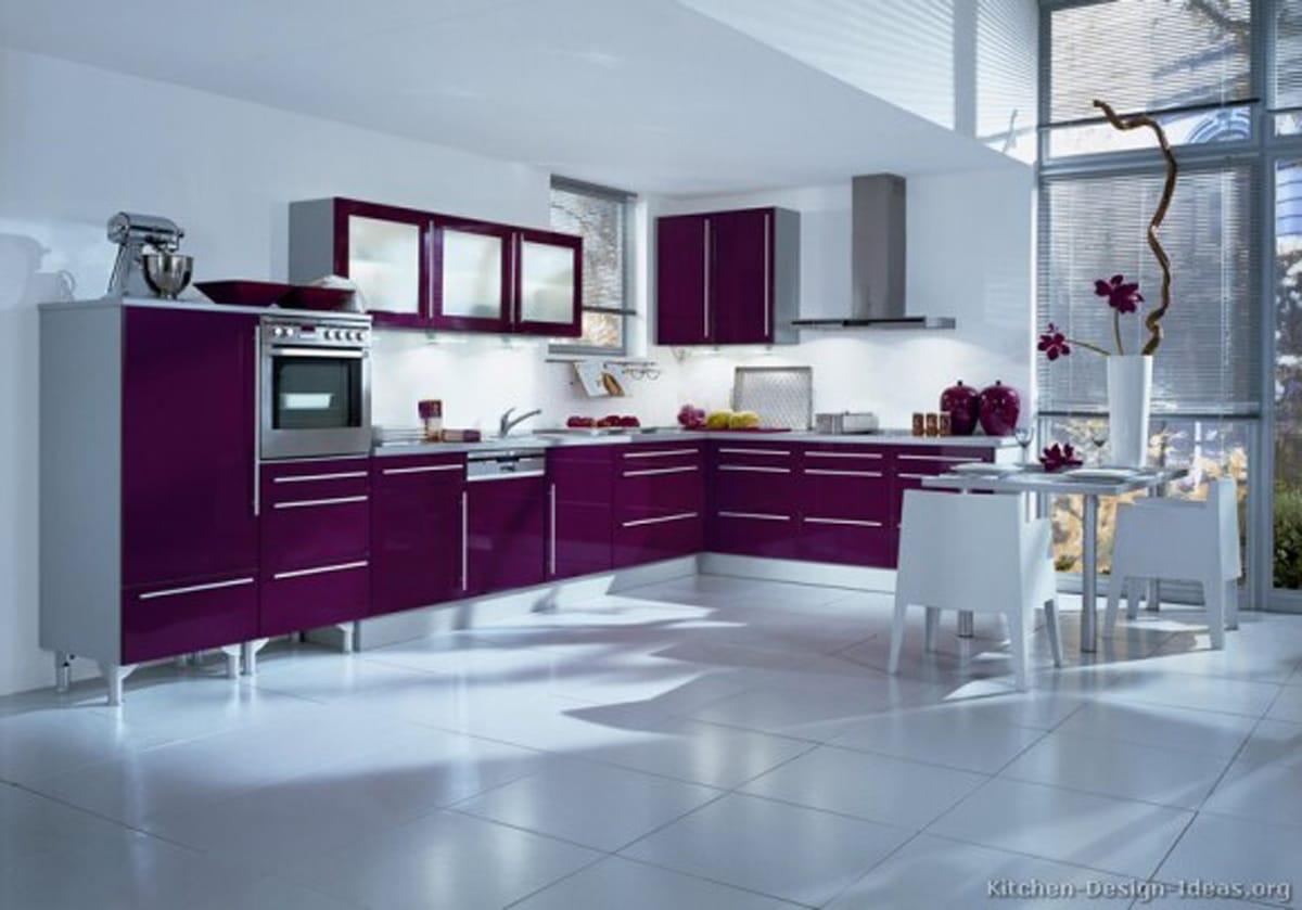 cocina de lujo moderna purpura