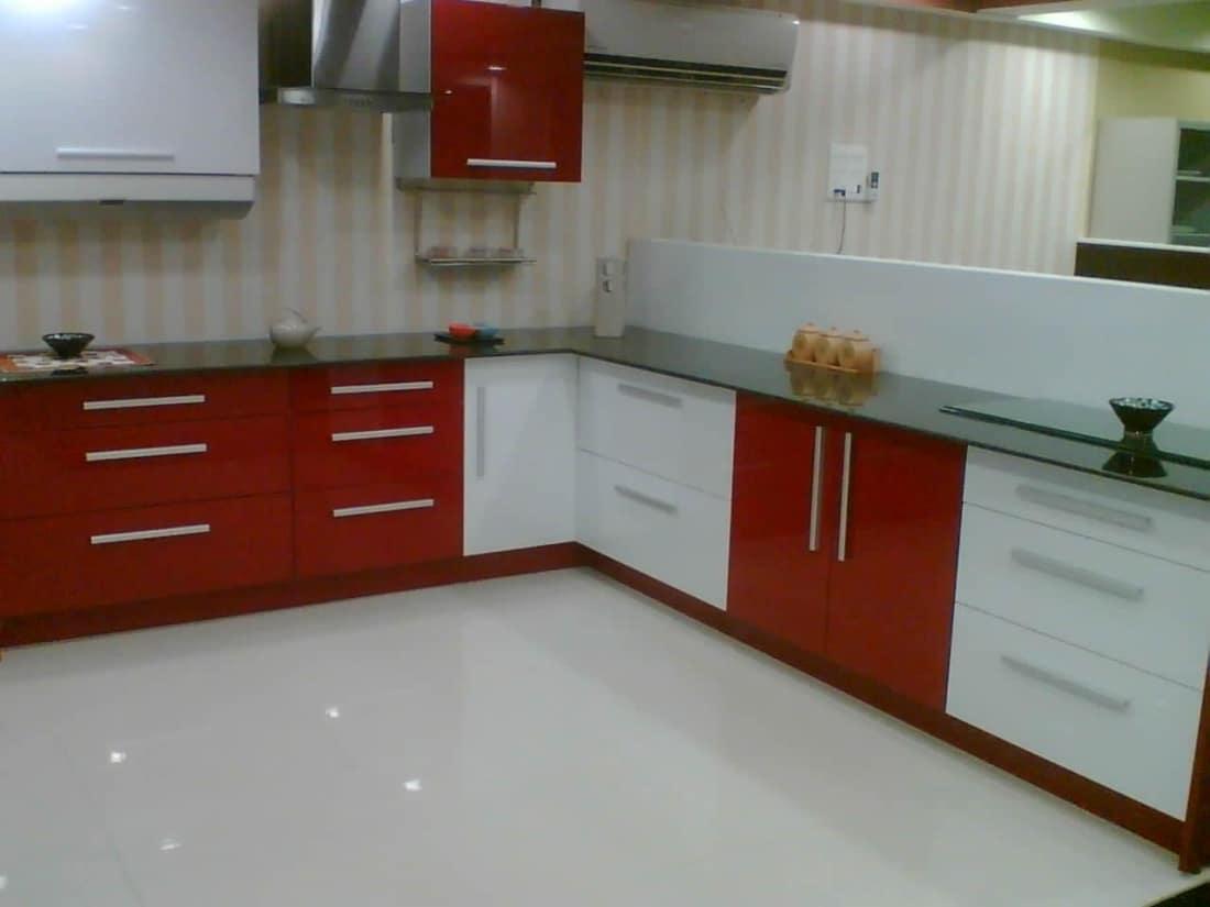 cocina en L roja
