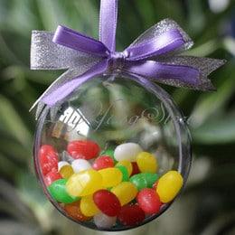 12 caramelos