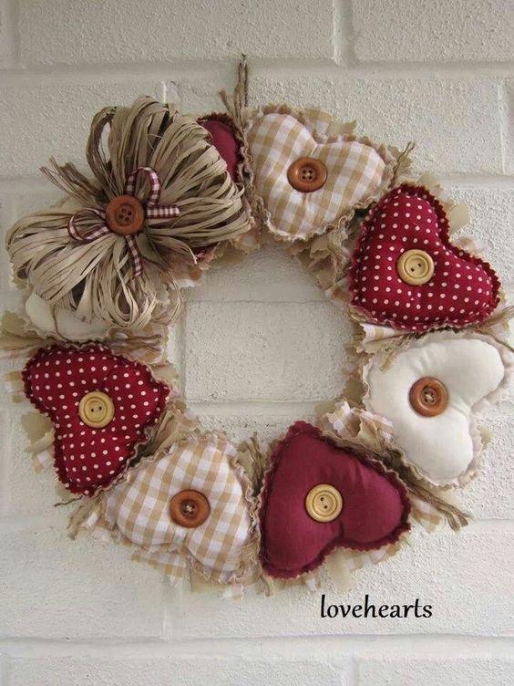 18 corona de navidad de corazones acolchados