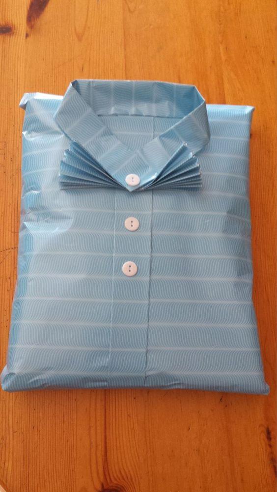 envoltura de regalo en forma de camisa