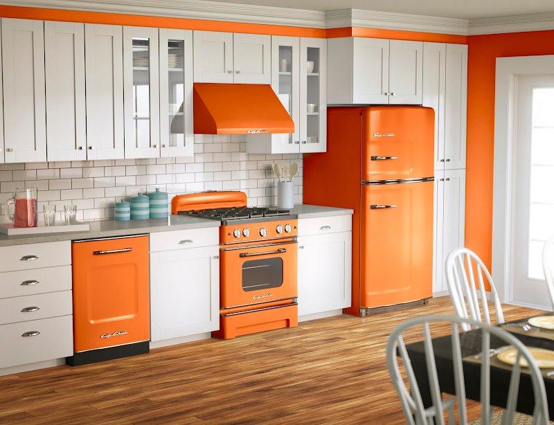 cocina color blanco y naranja