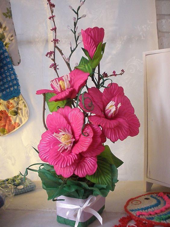 flores elegantes en goma eva