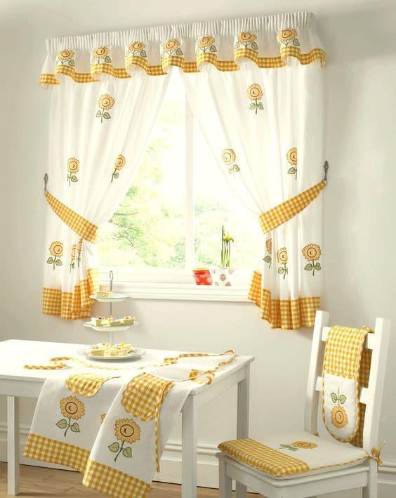 cocina de cortina colorida