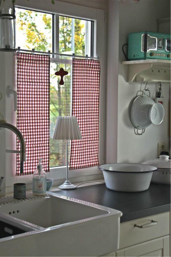 colorida cortina de cocina