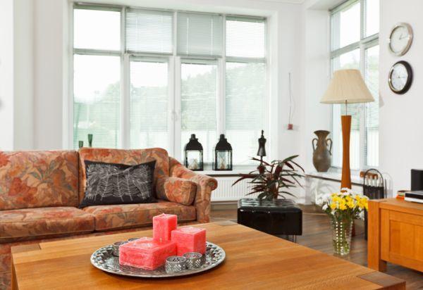 como-decorar-un-salon-rectangular-istock2