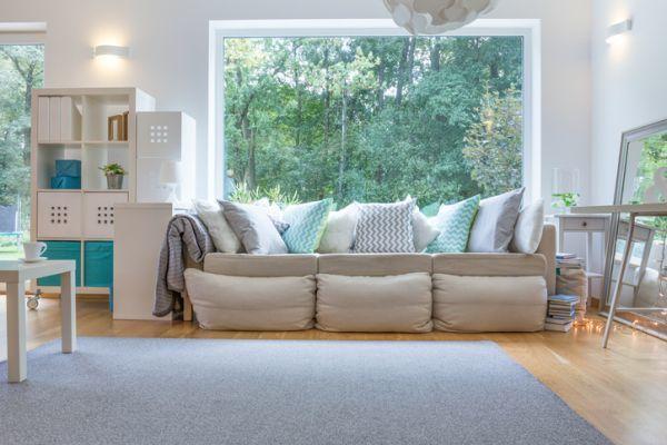 como-decorar-un-salon-rectangular-istock8