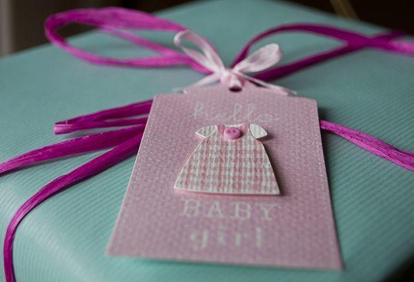como-decorar-una-fiesta-de-nacimiento-istock5