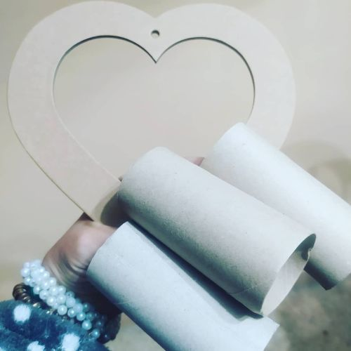 Corazón de rollos de papel
