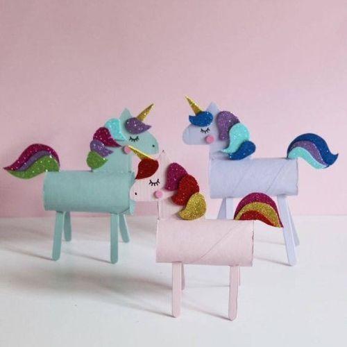 Unicornio de rollo de papel