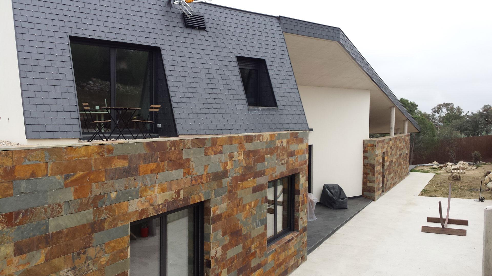 Fachadas de casas com ceramica frente de casas com for Ceramica para fachadas exteriores