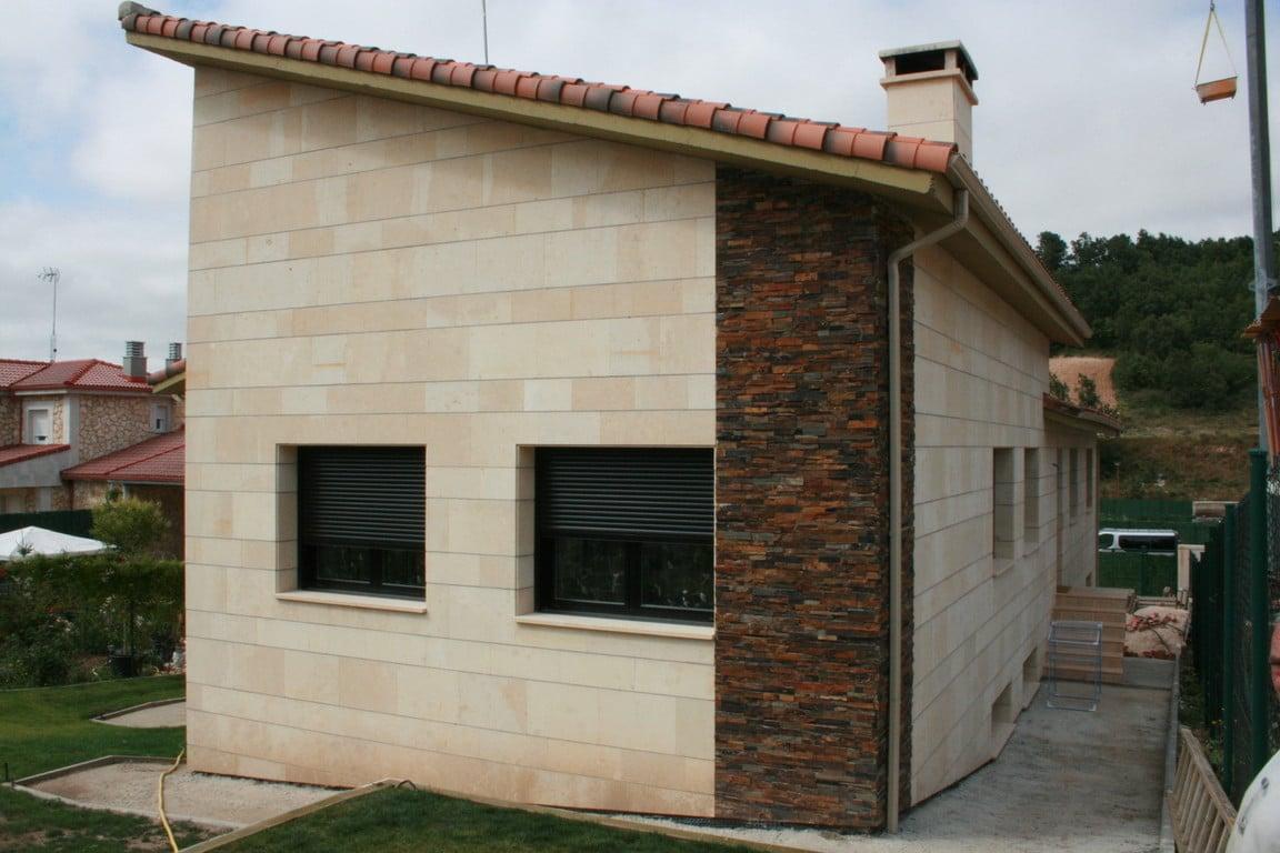 M s de 30 revestimientos de fachadas y paredes exteriores for Tipos de piedras para paredes exteriores