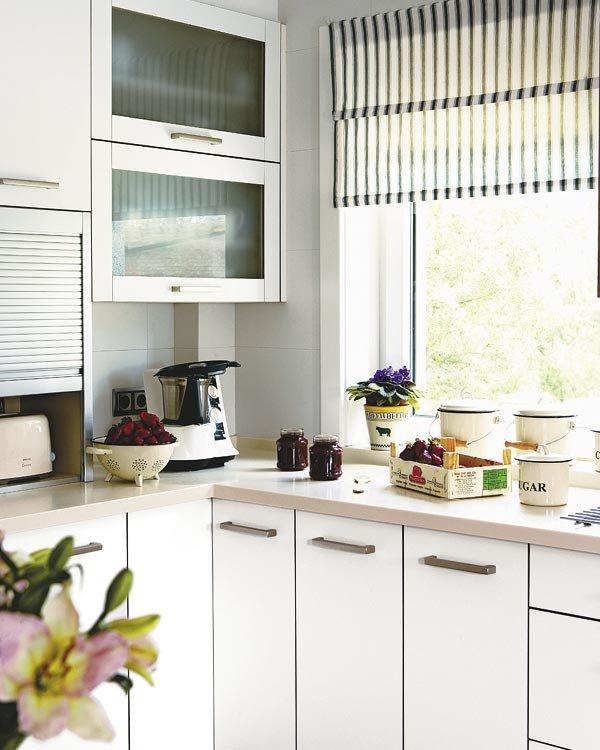 Estores para sal n m s de 30 ideas para controlar la luz for Estores de cocina modernos