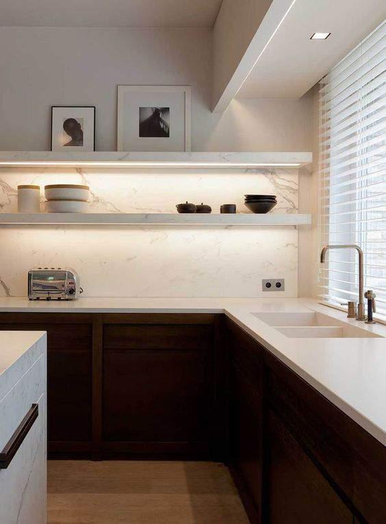 Las 30 cocinas blancas modernas que la van a petar el 2017 for Cocinas integrales modernas minimalistas