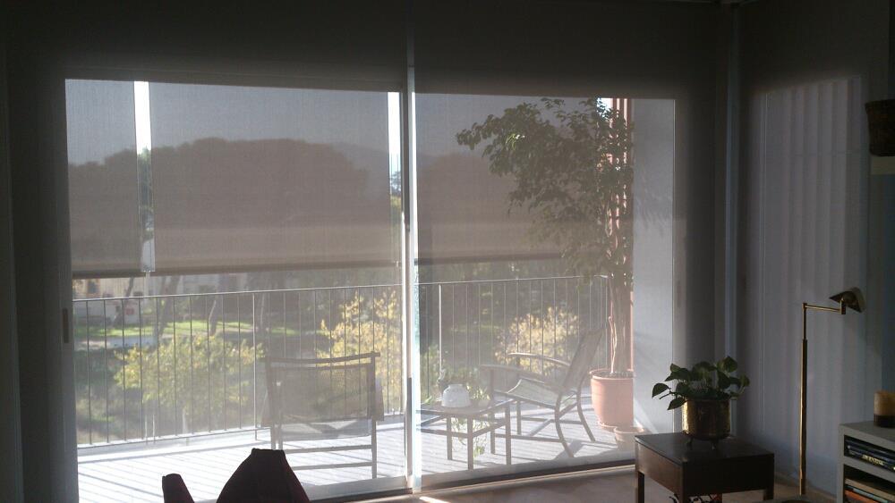 Estores para sal n m s de 30 ideas para controlar la luz - Estores para balcones ...