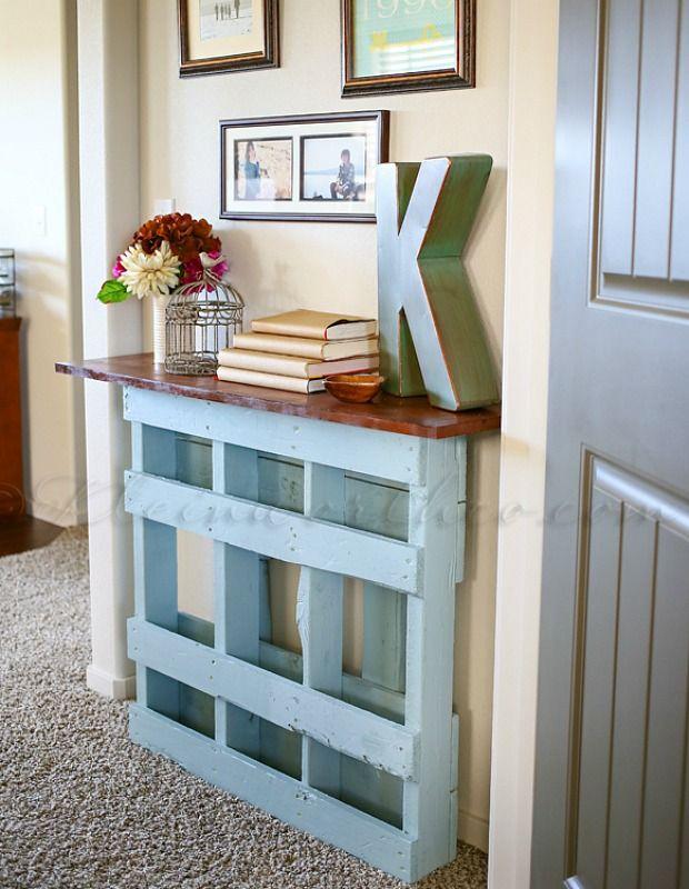 100 dise os de muebles con palets para interior y exterior for Mesa para recibidor