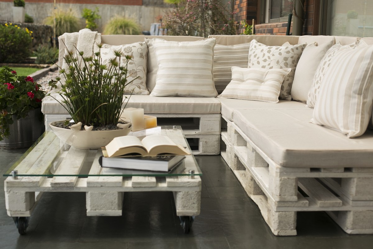 100 dise os de muebles con palets para interior y exterior for Muebles jardin madera palet