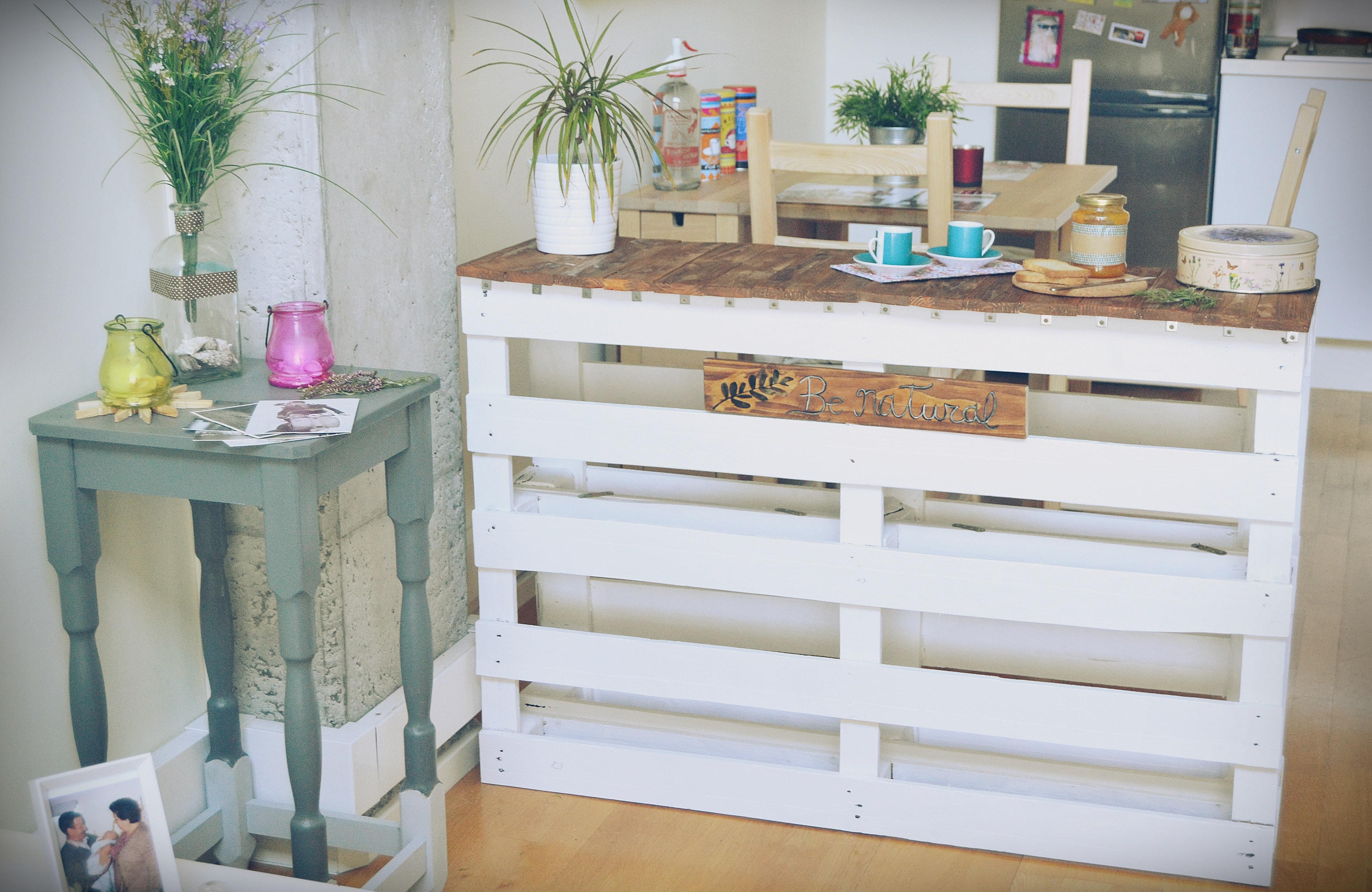 100 dise os de muebles con palets para interior y exterior for Como hacer una barra de cocina