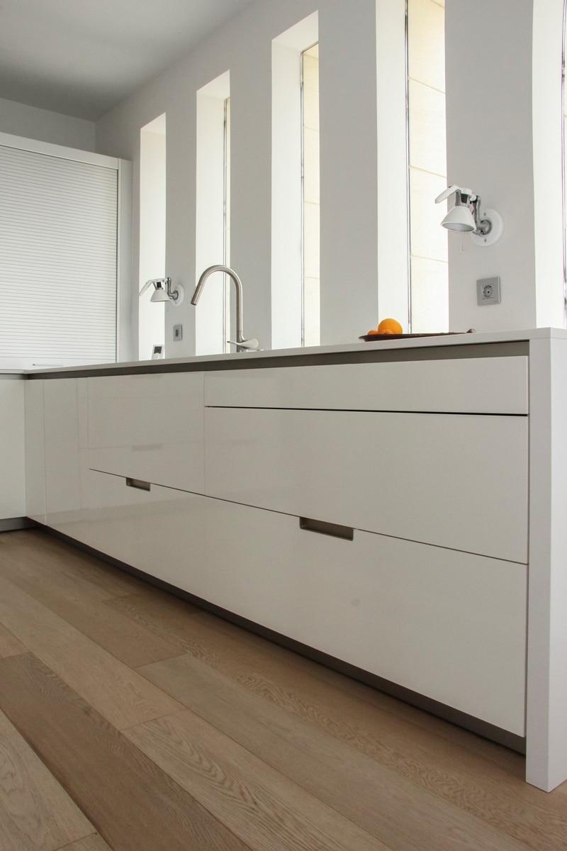 Cocinas modernas 50 fotos desde sencillas a for Cocinas minimalistas modernas