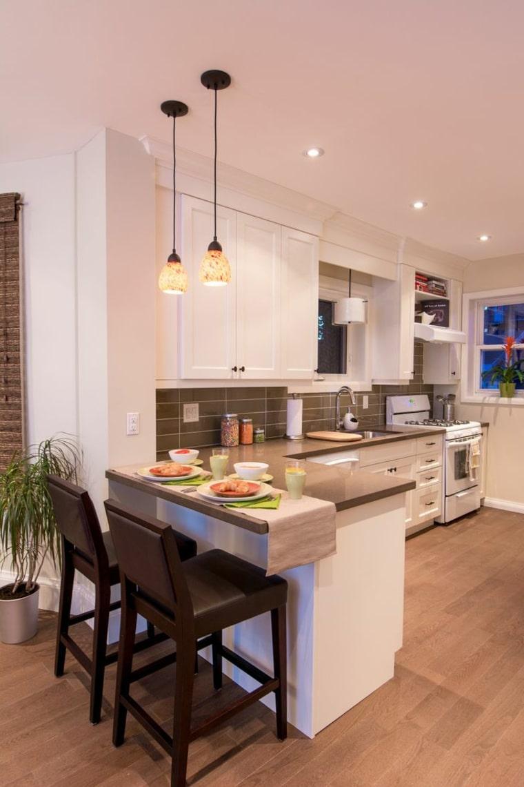 Cocinas modernas 50 fotos desde sencillas a for Mesa cocina moderna
