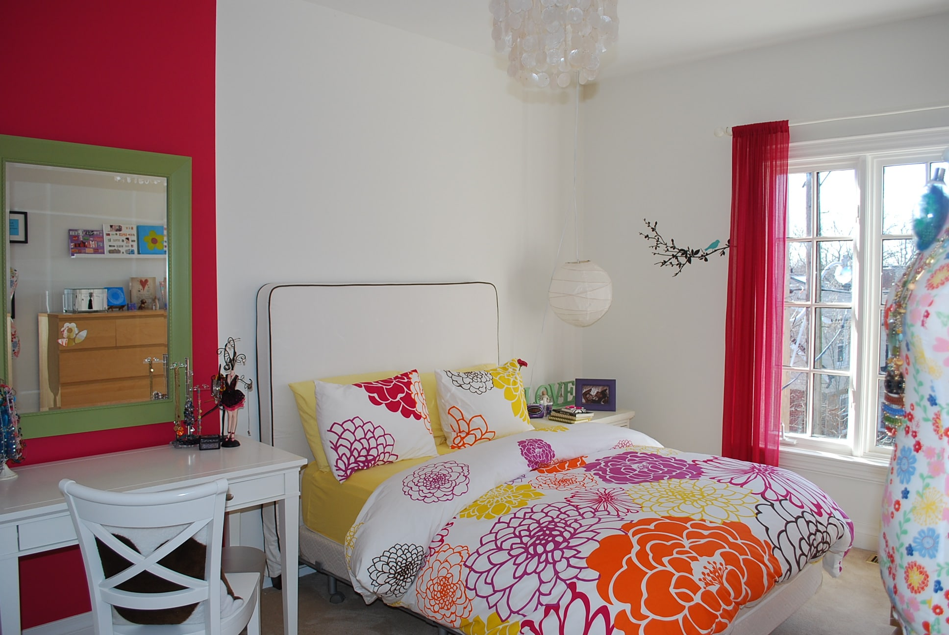 girl room blanco con flores