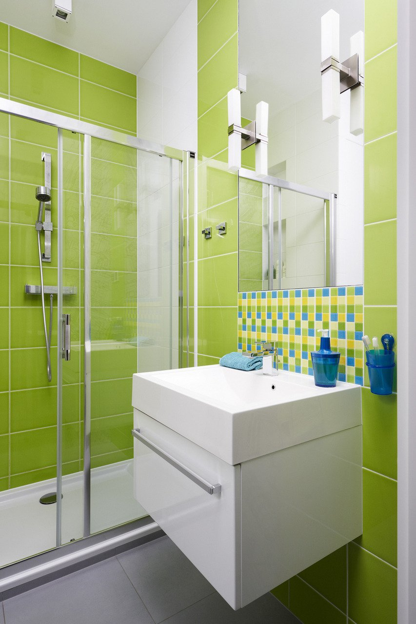 green bathroom 27
