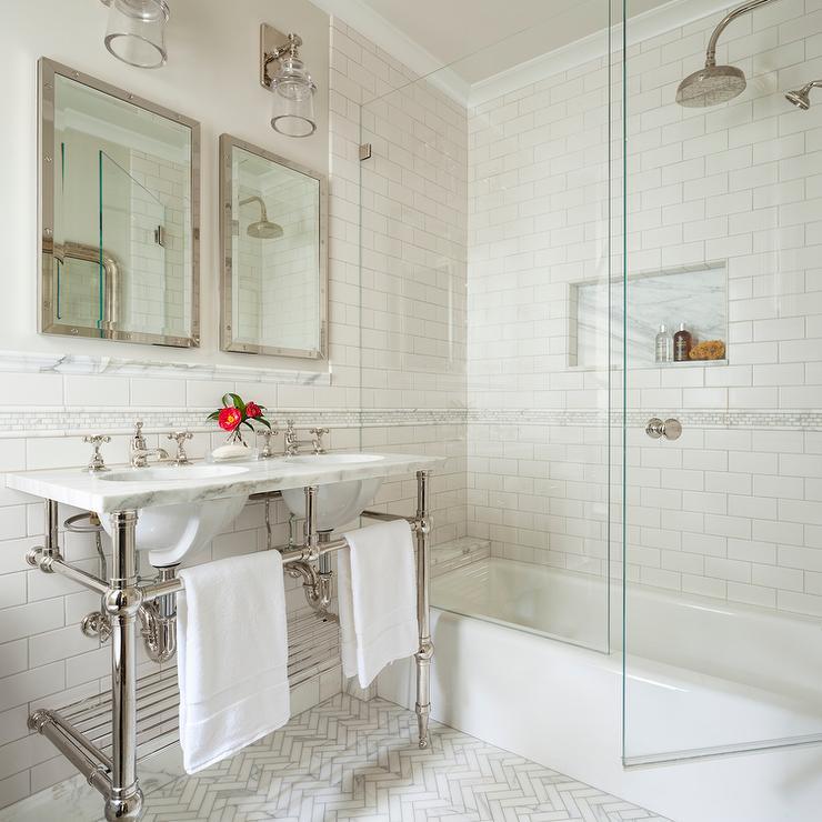 Baños Pequeños Con Bañera | 40 Banos Pequenos Con Ducha Que Vas A Envidiar Estreno Casa