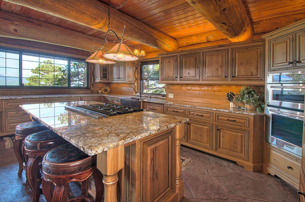cocina rustica de lujo full madera