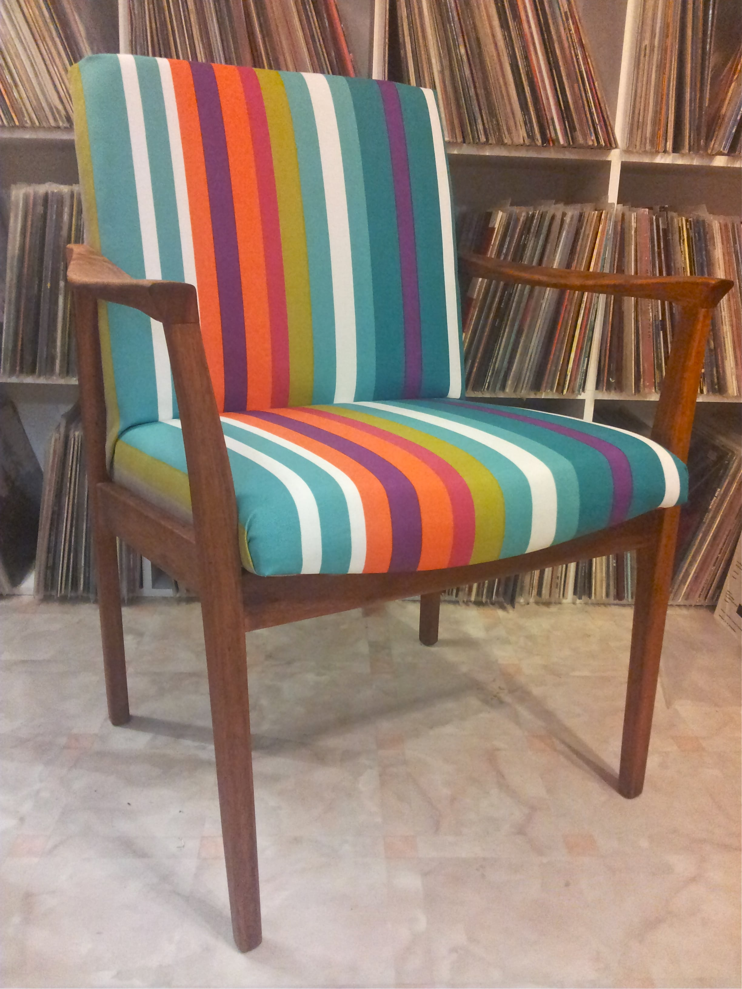 silla vintage colorida