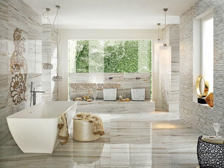 los accesorios en este material tambin son de gran importancia un lavabos papeleras estantes y ms si aades un espejo de gran tamao with baos de lujo