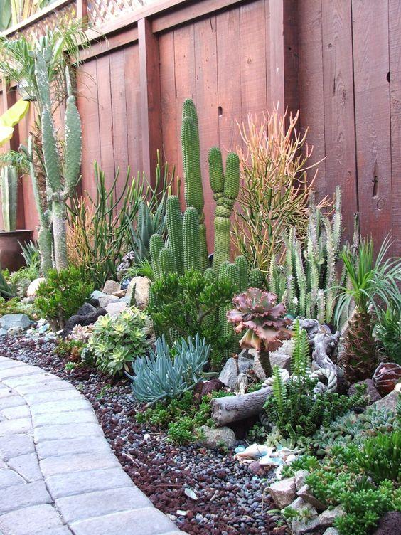 Dise o de jardines 19 ejemplos espectaculares para for Jardines con cactus y piedras