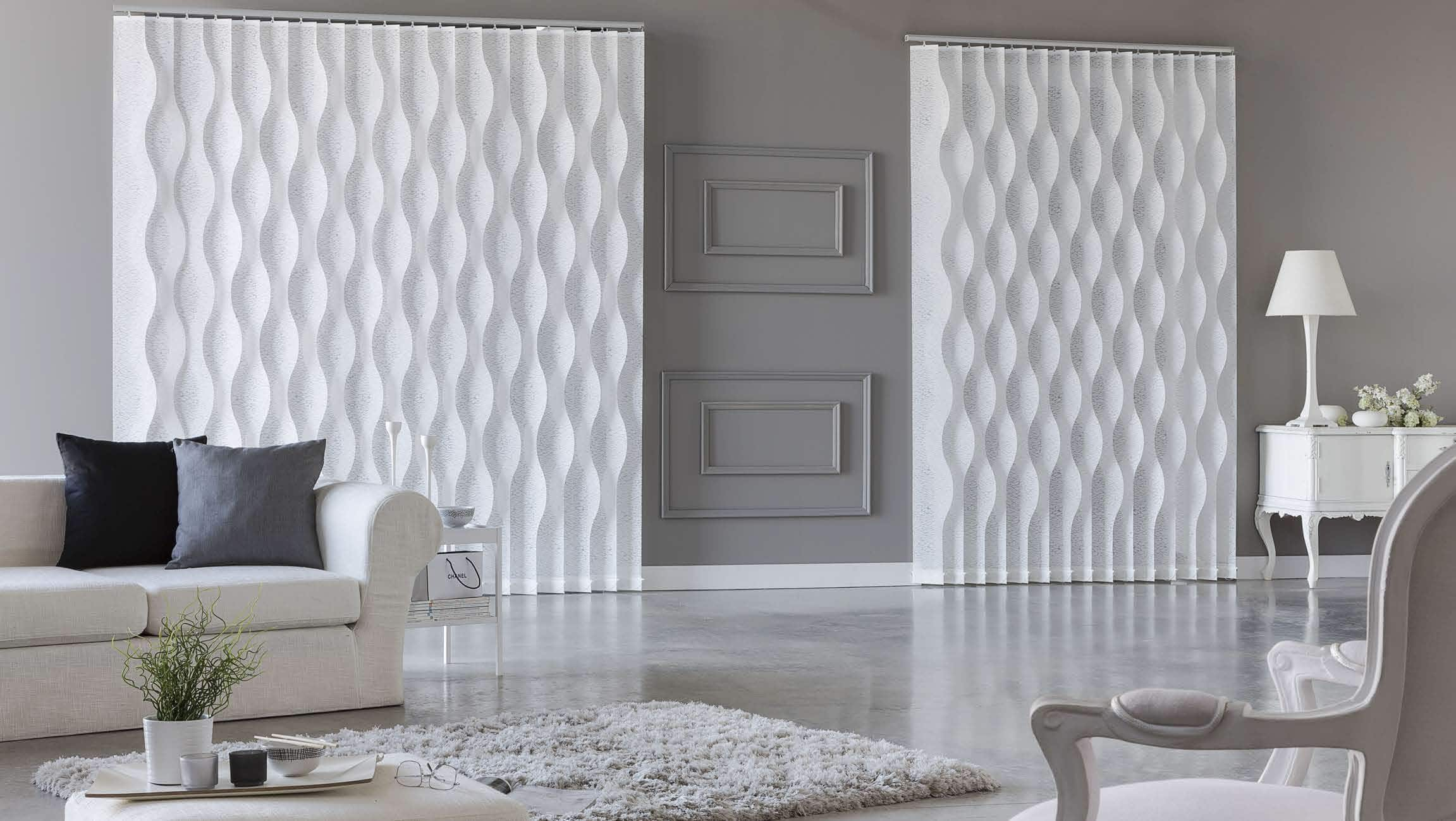 29 cortinas para salon de todas formas y colores estreno for Separar ambientes con cortinas