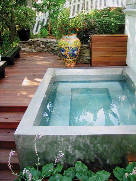 31 ideas de piscinas peque as para terrazas y jardines for Piletas para jardines pequenos