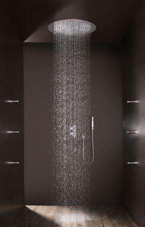 21 duchas modernas para deslumbrar en tu ba o estreno casa for Ducha de techo