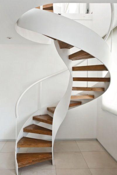 Las m s bellas escaleras de madera para interiores - Escalera en espiral ...