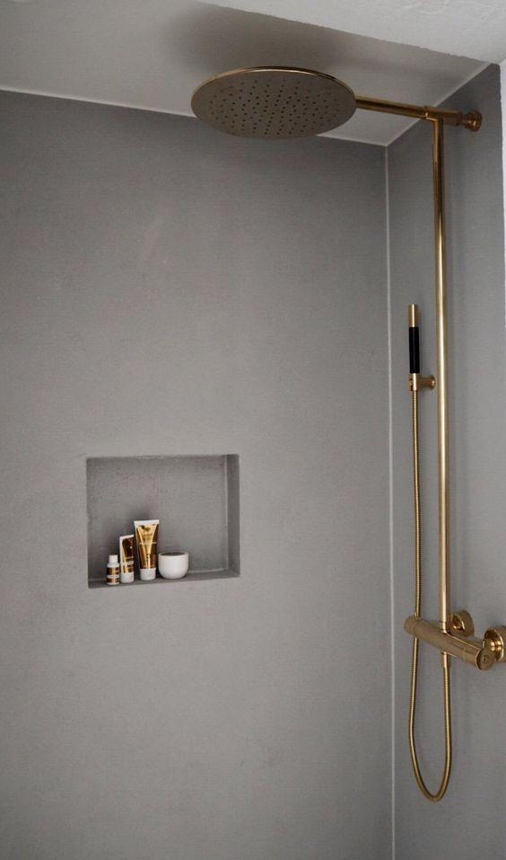 21 duchas modernas para deslumbrar en tu ba o estreno casa for Griferia dorada