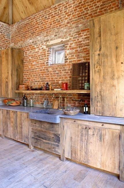 Insp rate con estas cocinas r sticas de obra estreno casa for Cocinas americanas cerradas