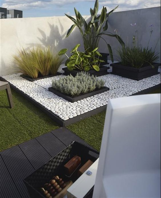 Para so ar 31 ideas de decoraci n de jardines peque os for Ideas para hacer un jardin