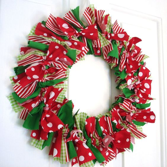 06 corona de navidad con cintas - Coronas Navidad