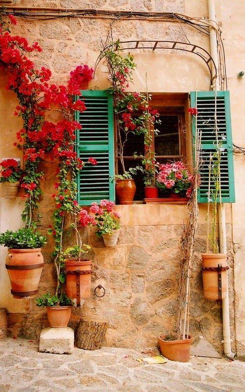 Algunas ideas de fachadas de casas de pueblo estreno casa for Patios antiguos decoracion