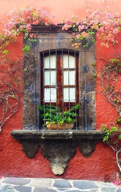 Algunas ideas de fachadas de casas de pueblo estreno casa for Imagenes de fachadas de casas rusticas mexicanas
