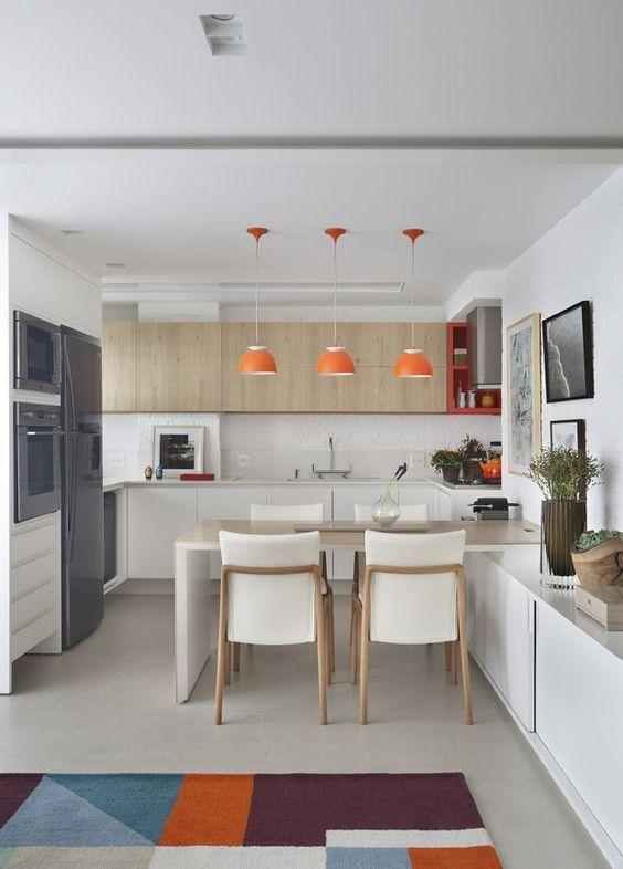 Ejemplos fascinantes de cocinas en u estreno casa for Mesa cocina estrecha
