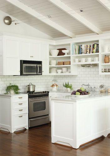 Ejemplos fascinantes de cocinas en u estreno casa for Mueble estrecho cocina