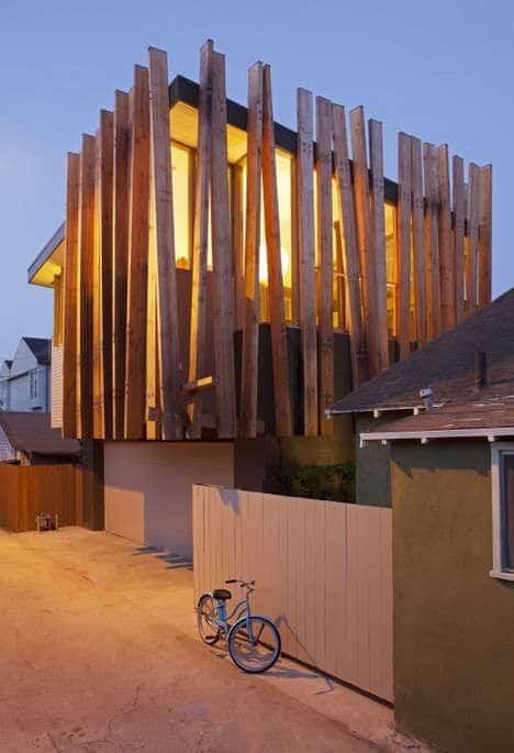 Hermosas fachadas de casas modernas 40 fotos estreno casa for Casa moderna madera