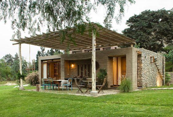 Fachadas de casas r sticas dise os que te encantar n for Casa moderna ladrillo