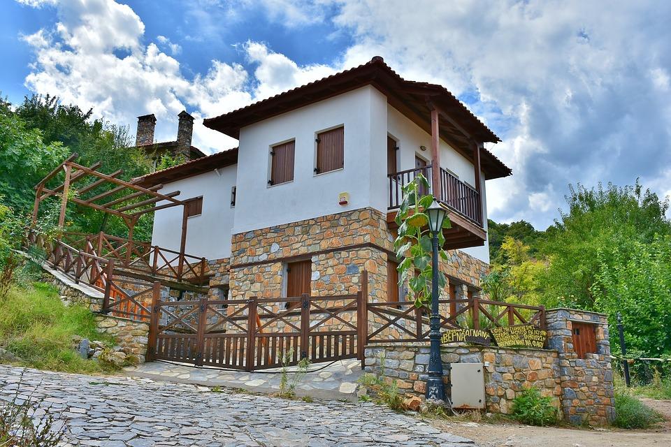 Algunas ideas de fachadas de casas de pueblo estreno casa for Fachadas de casas de dos pisos sencillas