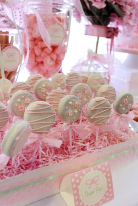 20 estilos de mesas de dulces para todas las ocasiones for Mesa de dulces baby shower