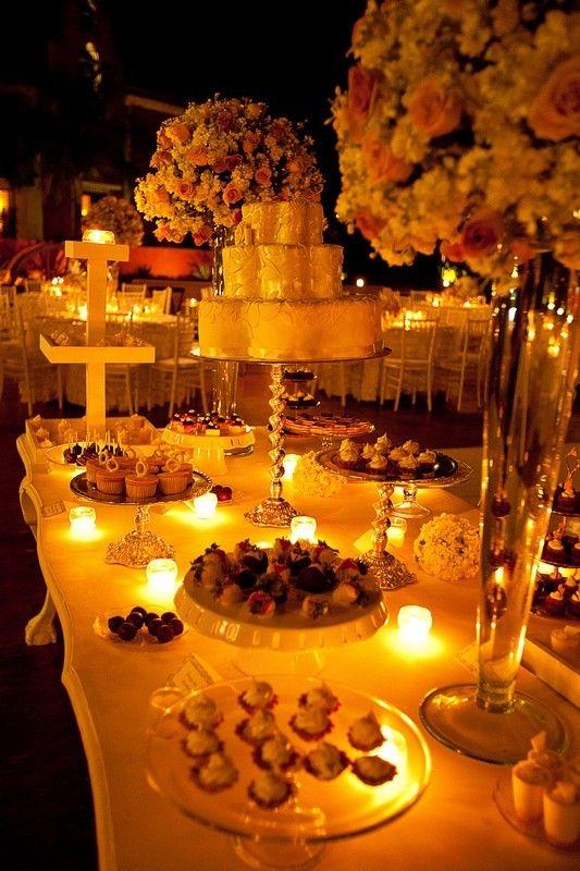 M s de 30 estilos de mesas de chuches para bodas estreno for Boda en un jardin de noche