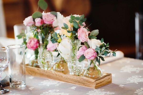 como-hacer-un-centro-de-mesa- flores-istock